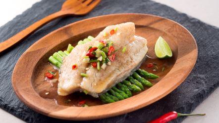 Steamed giant grouper fillet in thai dressing serves 2 for Giant chilli thai